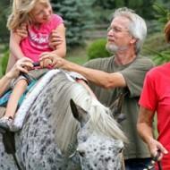 хипотерапия - на гърба на доктор кон