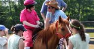 Каква е разликата между лечебната езда (хипотерапия) и конна езда?